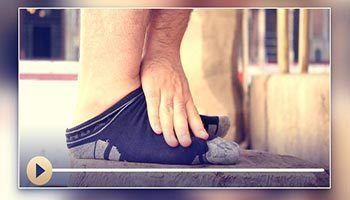 ホッフ(皮の靴下)と靴下とギブスと包帯とバンドエイドの上からのマスフ(拭うこと)。